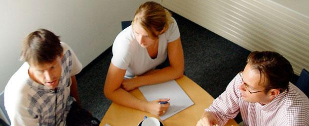 Cum sa pastrez un contact permanent cu clientii mei?