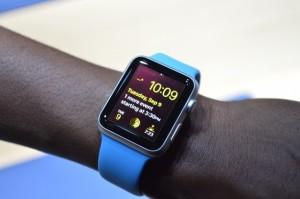 Versiunea watch OS 2.0.1 este disponibila utilizatorilor de Apple Watch