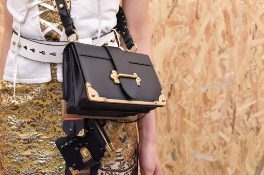Ce conteaza pentru o femeie atunci cand isi cumpara o geanta?