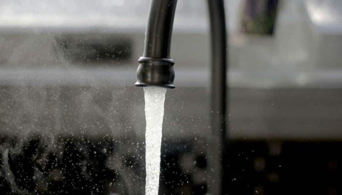 3 semne ca e timpul sa iti inlocuiesti filtrul de apa