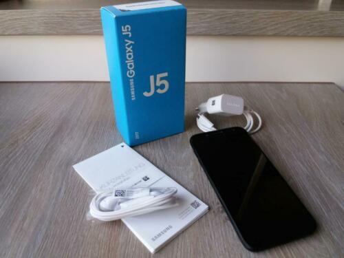 Trei caracteristici de urmarit la Samsung J530