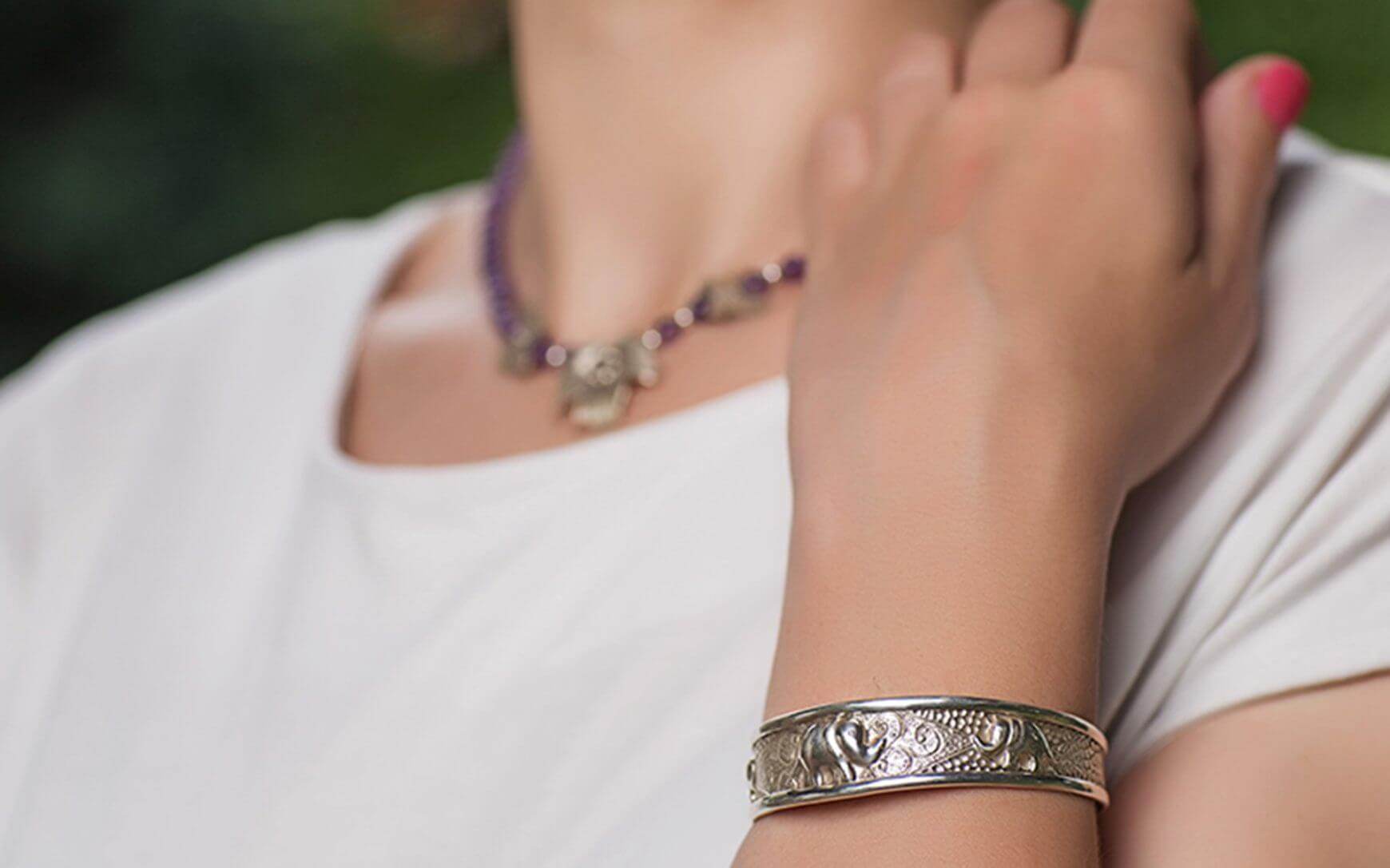De ce este bine pentru sanatate sa purtati bijuterii din argint?