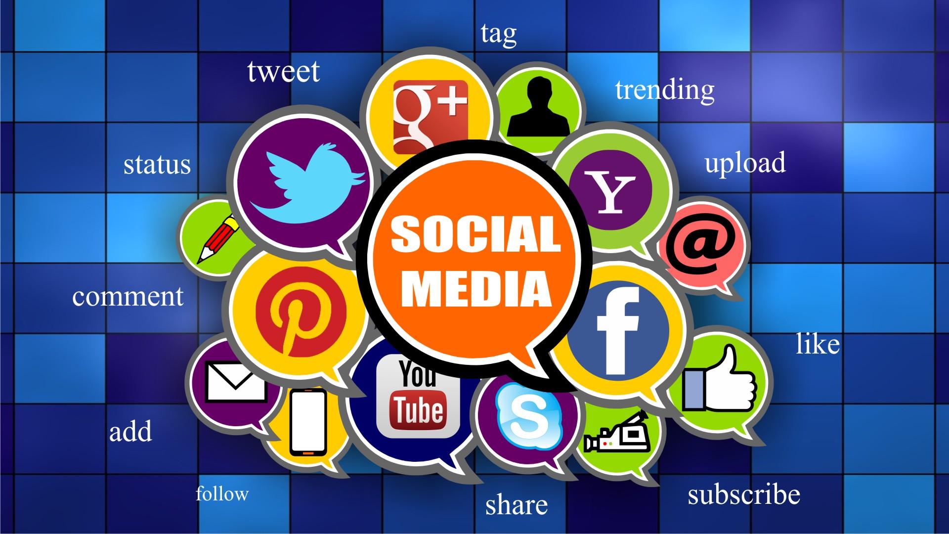 De ce sa iti instalezi aplicatii de Social Media?